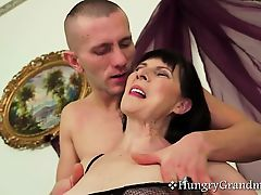 Brunette granny gets good fuck